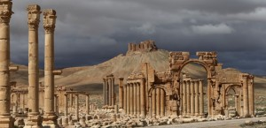 (FILES) - A file picture taken on March 14, 2014 shows a partial view of the ancient oasis city of Palmyra, 215 kilometres northeast of Damascus. Islamic State group fighters advanced to the gates of ancient Palmyra on May 14, 2015, raising fears the Syrian world heritage site could face destruction of the kind the jihadists have already wreaked in Iraq. AFP PHOTO / JOSEPH EID