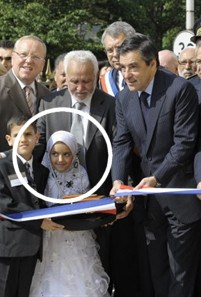 francois_fillon_islam_mosquee_voilee