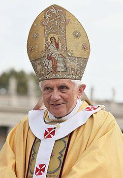 Le seul des trois derniers papes à mériter le respect est Benoît XVI