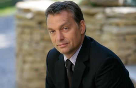 Demain Eurovision, votez en masse pour le candidat du seul pays patriote, la Hongrie