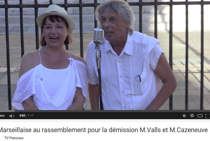 Valls-Cazeneuve démission : le rassemblement parisien comme si vous y aviez été présents…