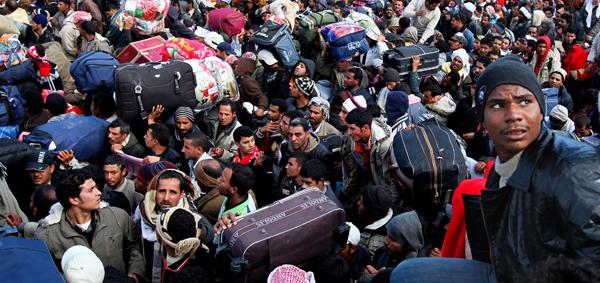 Comment les «migrants» utilisent les enfants pour apitoyer les gens