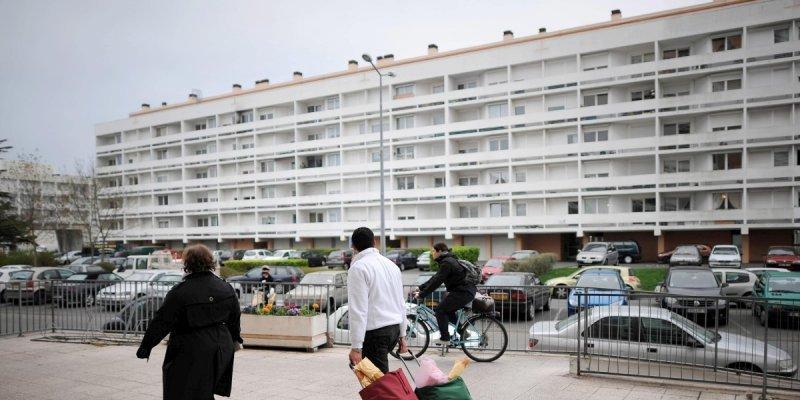 Les Maires, les réfugiés, et la crise du logement miraculeusement disparue !