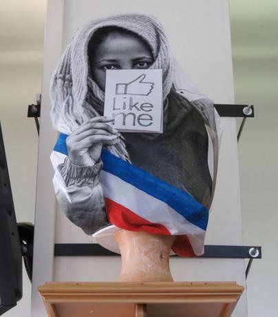 Marianne voilée : Hollande rampe dans les sphères de la honte et du déshonneur