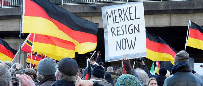 Lacrymos et canons à eau contre les manifestants de Pegida mais rien contre les migrants violeurs de Cologne !!!