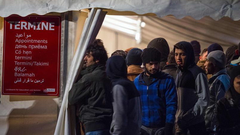 Les députés ont voté le 18 février une loi rendant presque impossible l'expulsion des clandestins