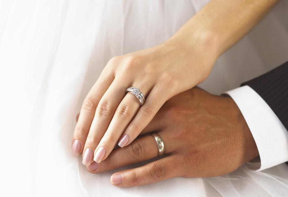 Est-ce que les idiotes qui croient au mythe des mariages mixtes vont enfin ouvrir les yeux ?