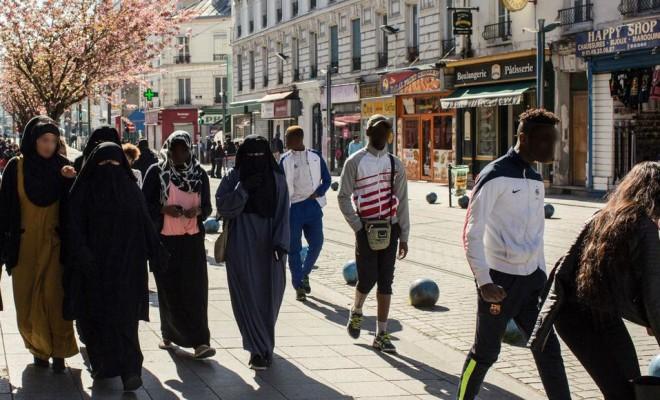 La cathédrale de Saint-Denis et celle de Cordoue deviennent la mecque de l'islam en France et en Espagne