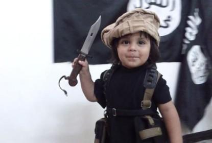 Momo, enfant radicalisé de 3 ans : «je veux une tchoin (fille facile) pour lui couper la tête !»