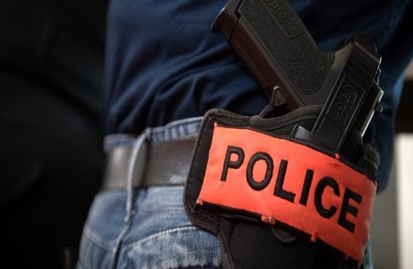 Vincennes : il agresse l'infirmière et poignarde la policière, le «déséquilibré» abattu