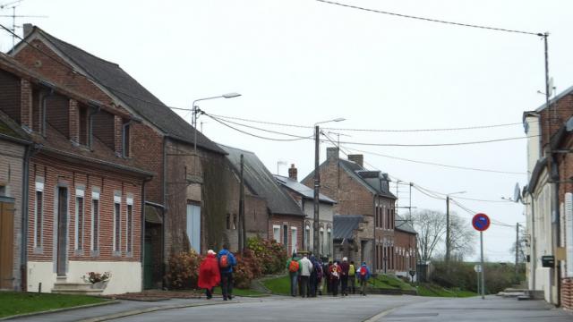 Plus de 1000 clandestins de Calais répartis dans les «Hauts-de-France», debout les envahis du Nord !