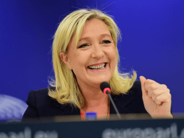 Sondage Reuters : Marine Le Pen accentue encore son avance à 27 %