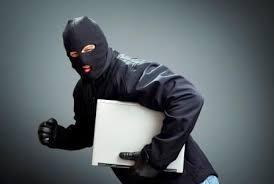 Par trois fois, on vole l'ordinateur de mon épouse dans son école : la mairie baisse les bras.