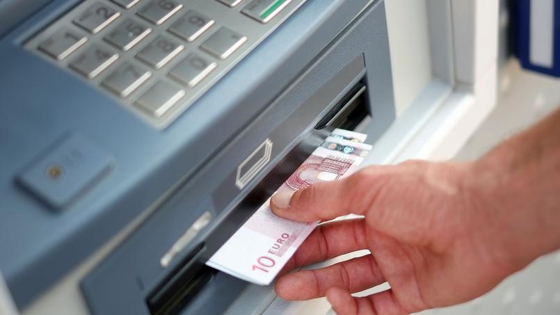 Ils ont peur du retour du franc et votent pour celui qui va leur voler le contenu de leurs comptes bancaires
