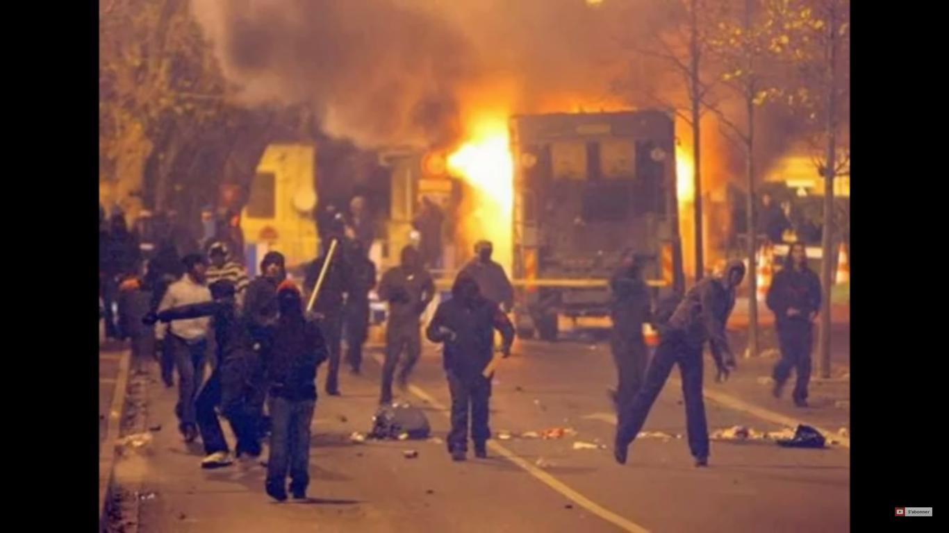 Les médias taisent-ils les émeutes à Evry ce week-end pour ne pas faire d'ombre au candidat Dieudonné ?