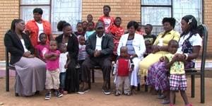 Bon sang, mais c'est bien sûr : annuler les dettes des Africains… à condition qu'ils maîtrisent leur natalité !