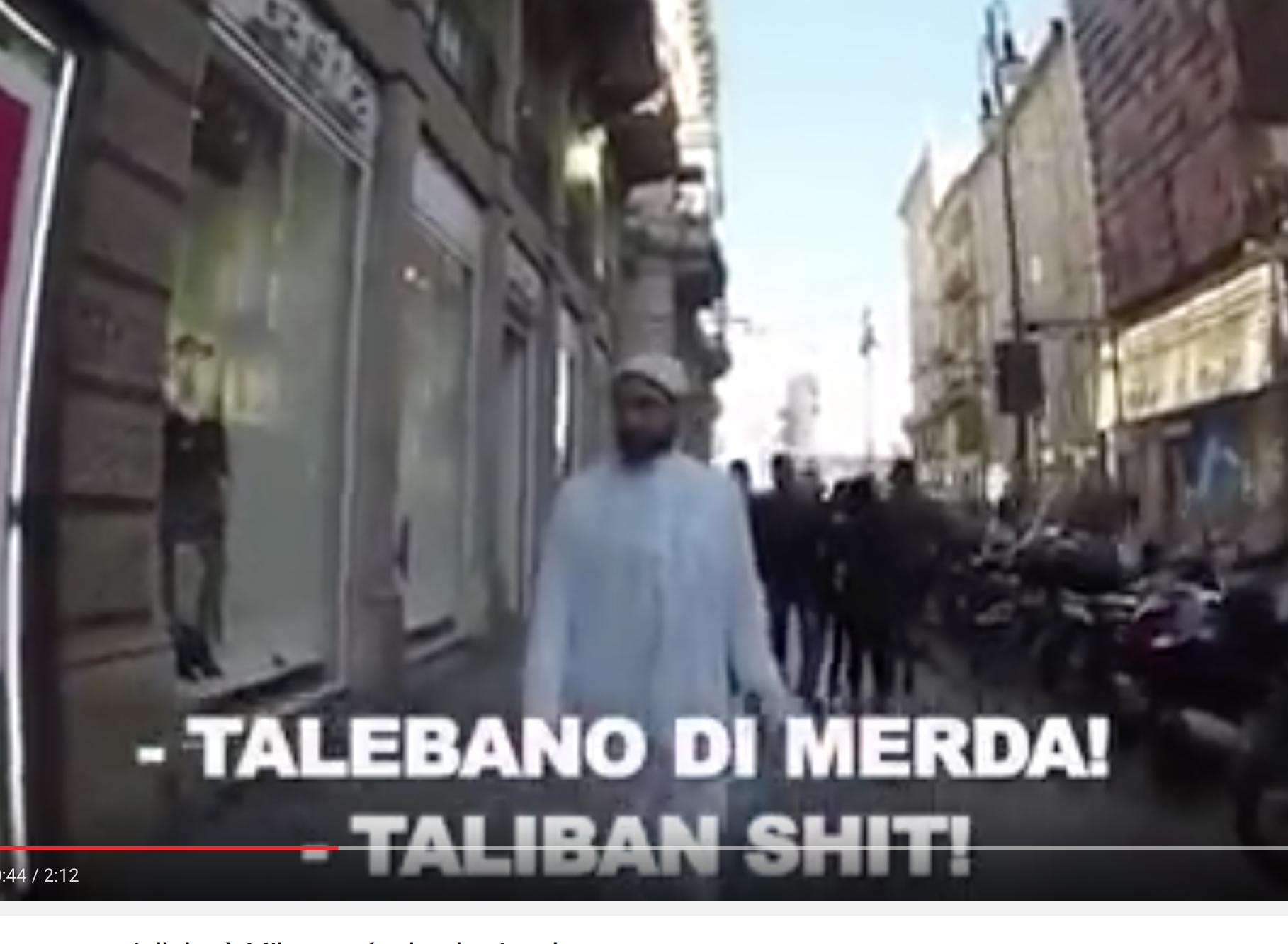 Il provoque les Milanais avec sa djellabah et ose se plaindre des insultes reçues  !