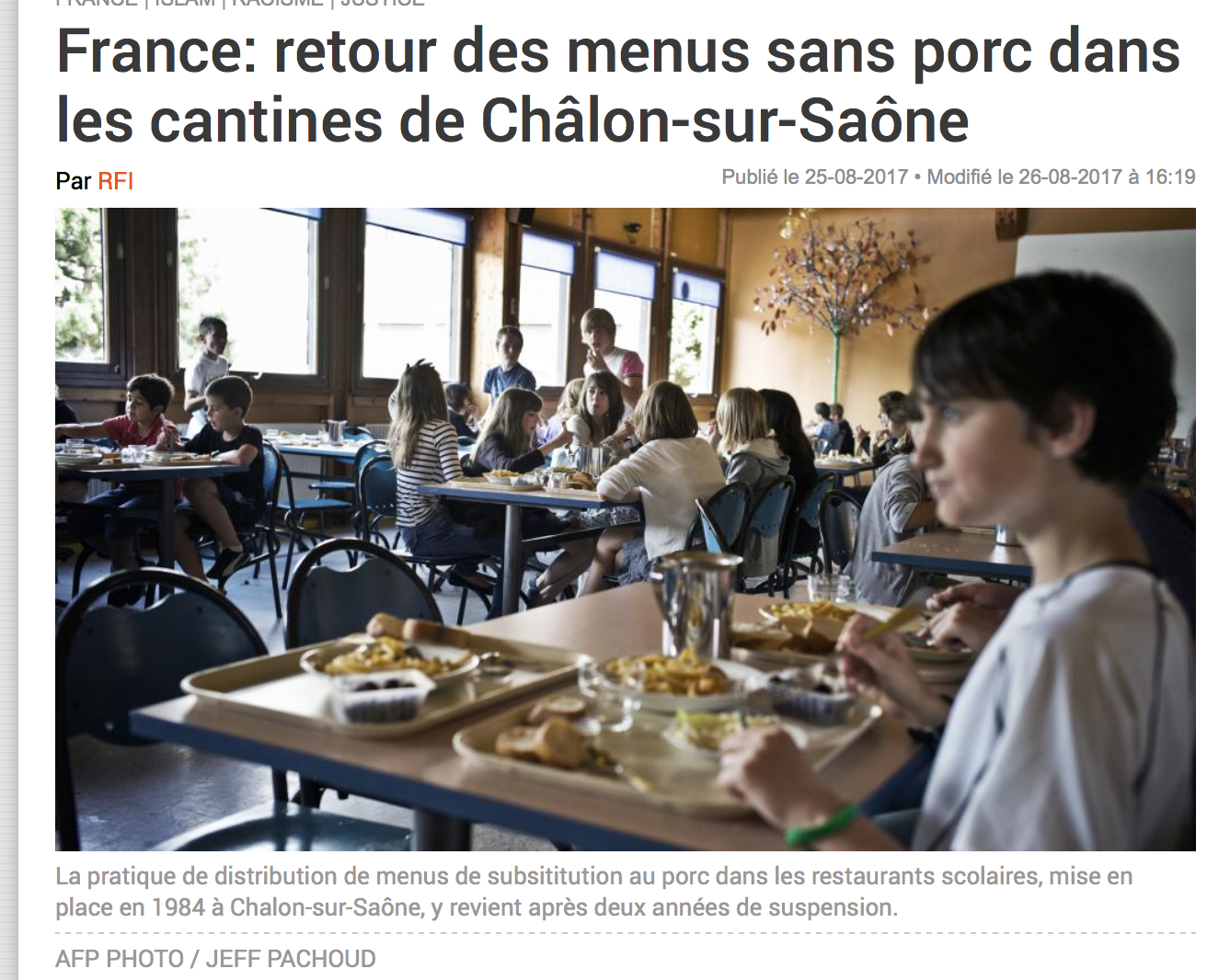 Les juges dhimmis du tribunal administratif de Dijon imposent le «sans porc» dans les cantines !