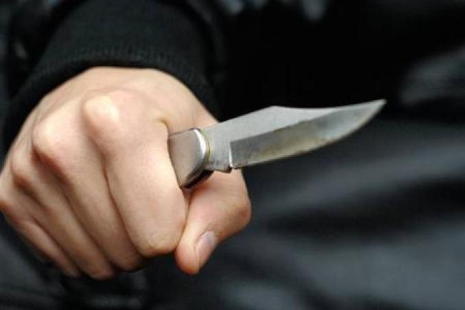 Encore deux poignardés, avec des ciseaux cette fois… Ça suffit !