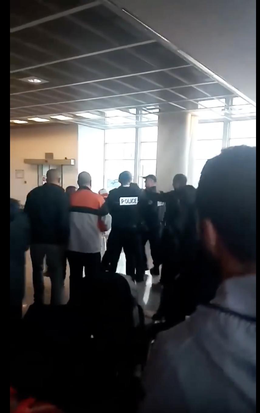Marseille : Algériens en colère  à cause de la grève surprise d'Air Algérie