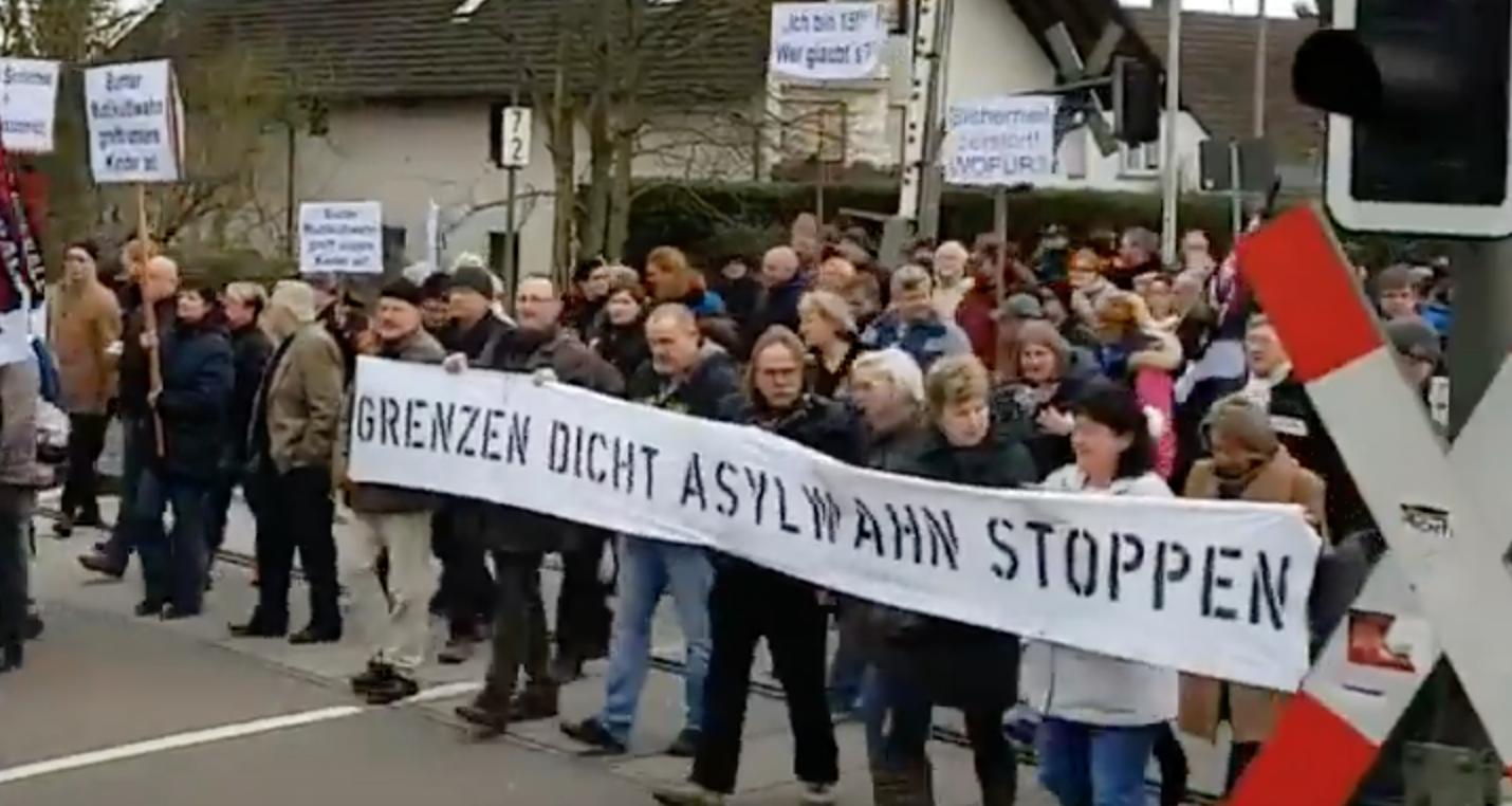 Pour la 2ème fois en une semaine, les Allemands dans la rue pour dire non à la violence des immigrés