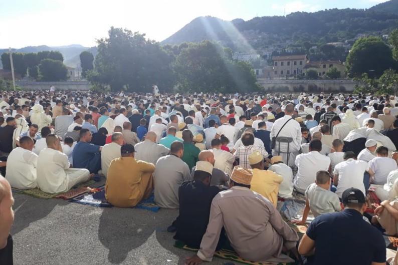 Estrosi est-il complice des prières de rue à Nice pour l'Aïd ?