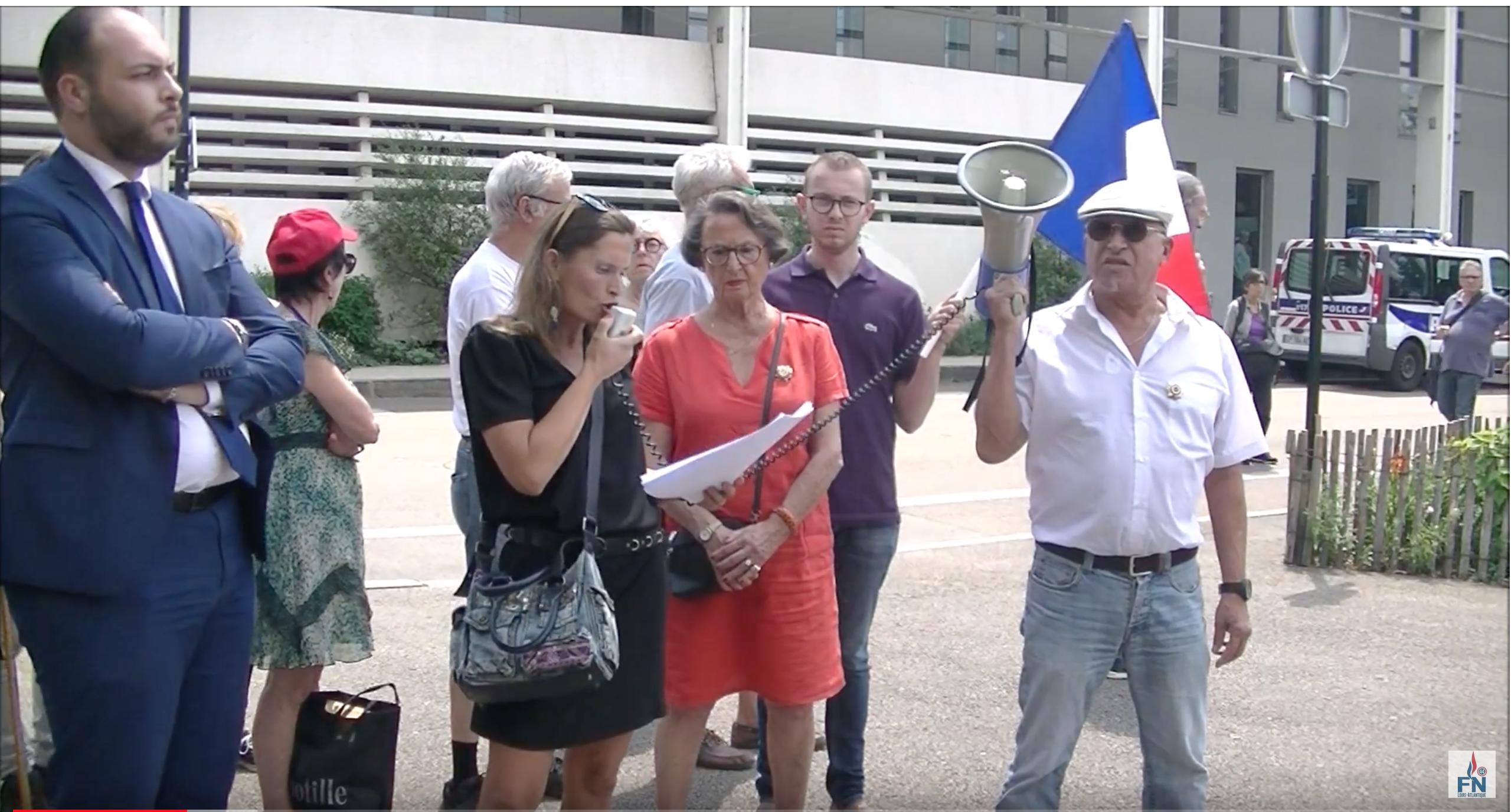 Une poignée de patriotes à Nantes, pour soutenir le policier qui a tué le repris de justice Boubakar !