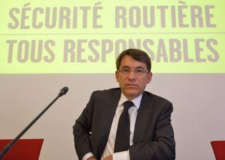 Barbe : grâce à nos routes pourries, les Français ralentissent, donc il y a moins de morts…