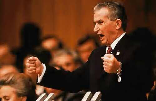 Vous n'avez pas l'impression, avec Macron, d'entendre Ceaucescu, quand c'était le début de la fin ?