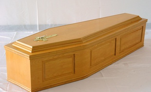 Les cercueils Macron, biodégradables, importables de Turquie… la grande réussite du quinquennat