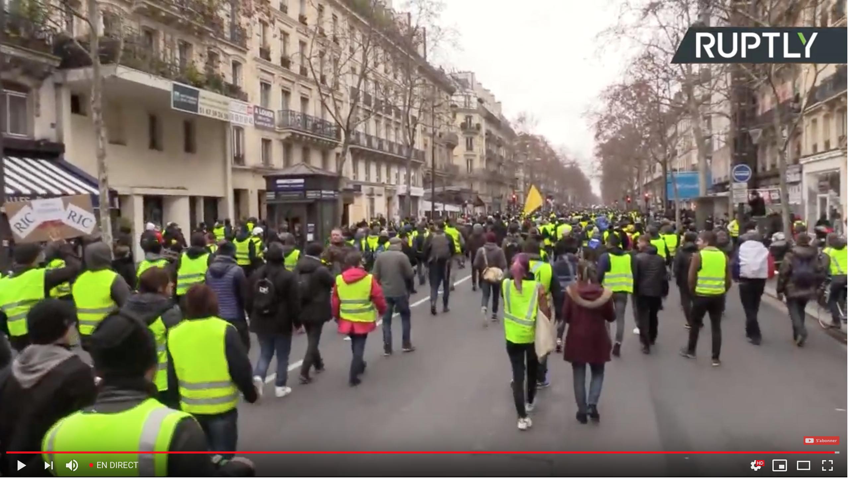 Réussite de l'acte IX des Gilets Jaunes, un monde fou manifeste : en direct, la manif parisienne