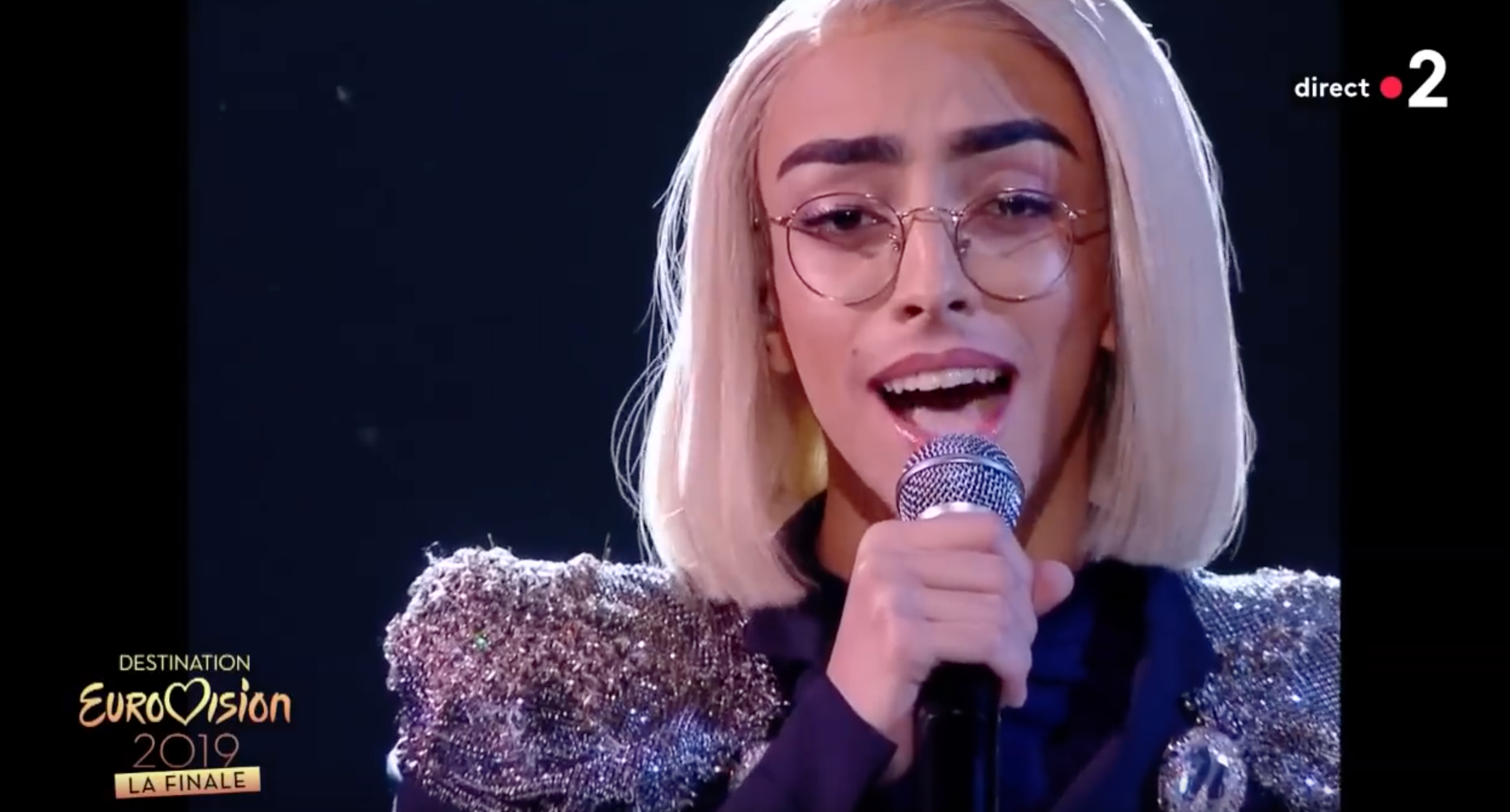 Bilal Hassani aux chiottes ! A  l'Eurovision le baissage de culottes continue
