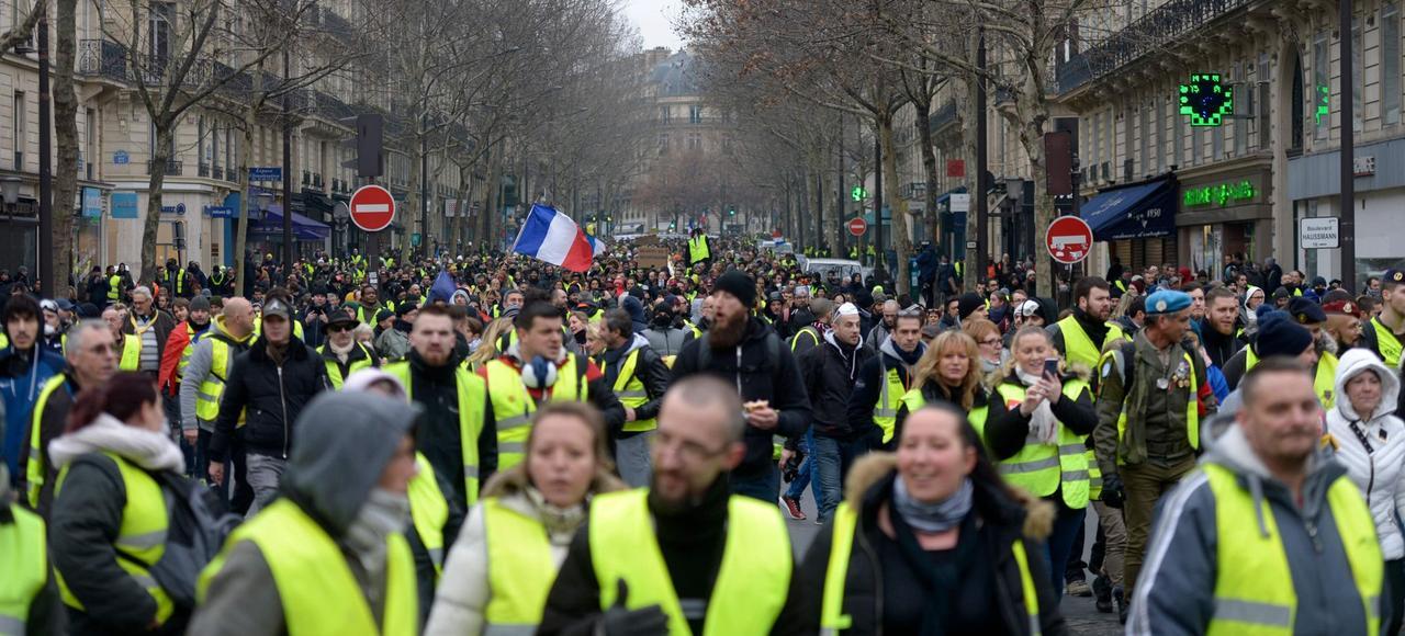 Le 1er décembre 2018, l'Élysée aurait pu tomber, mais  le CRS Stéphane est encore prêt à défendre Macron