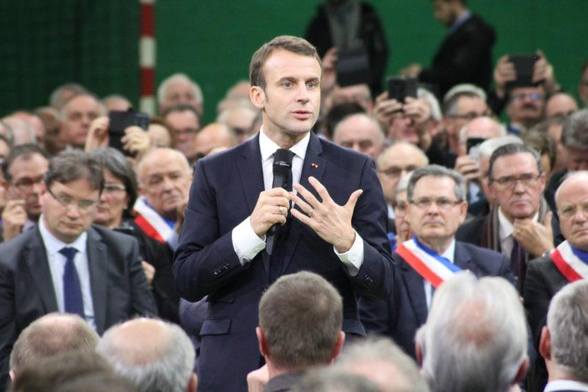 Bourgtheroulde : tout était faux, choix des maires bidonné, questions préparées, questions imposées…