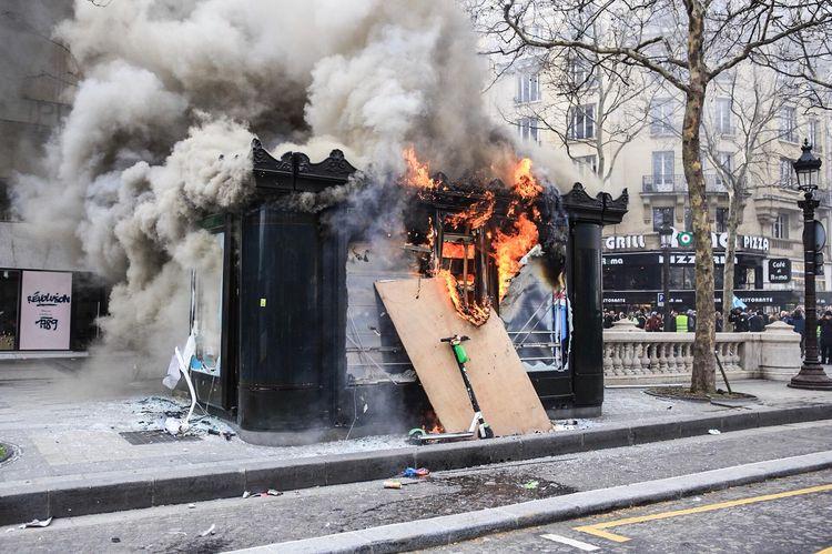 Violences des gauchistes sur les Champs : Macron et Castaner jubilent, dorénavant tout est possible !