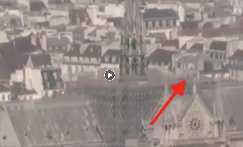 Quels sont cette silhouette et cet éclair sur le toit de Notre-Dame avant l'embrasement ?