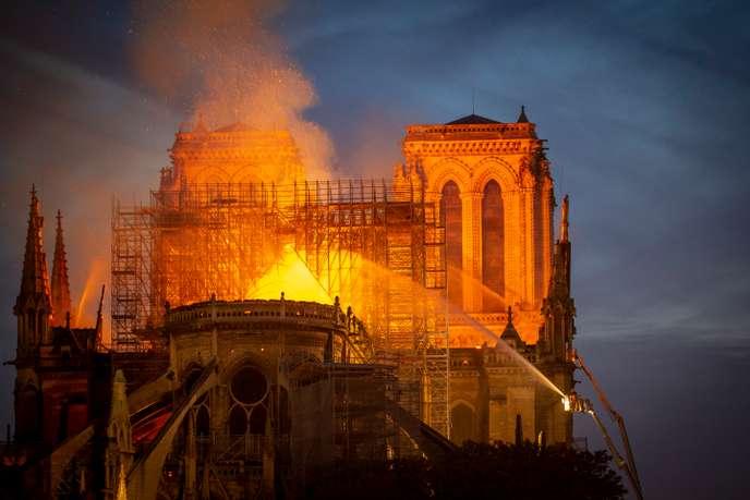 La France brûle… un rapport avec les conseils de Daesch ?