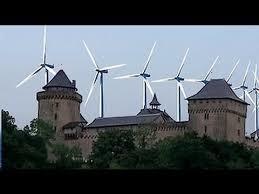 Marine tire la sonnette d'alarme : Vézelay, Chartres… menacés par les éoliennes !