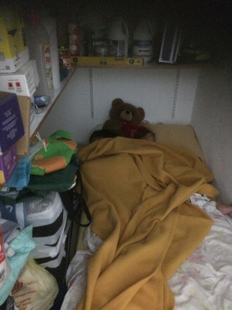 Voilà où vos enfants devront dormir quand le Saint-Denistan aura proclamé son indépendance (video)
