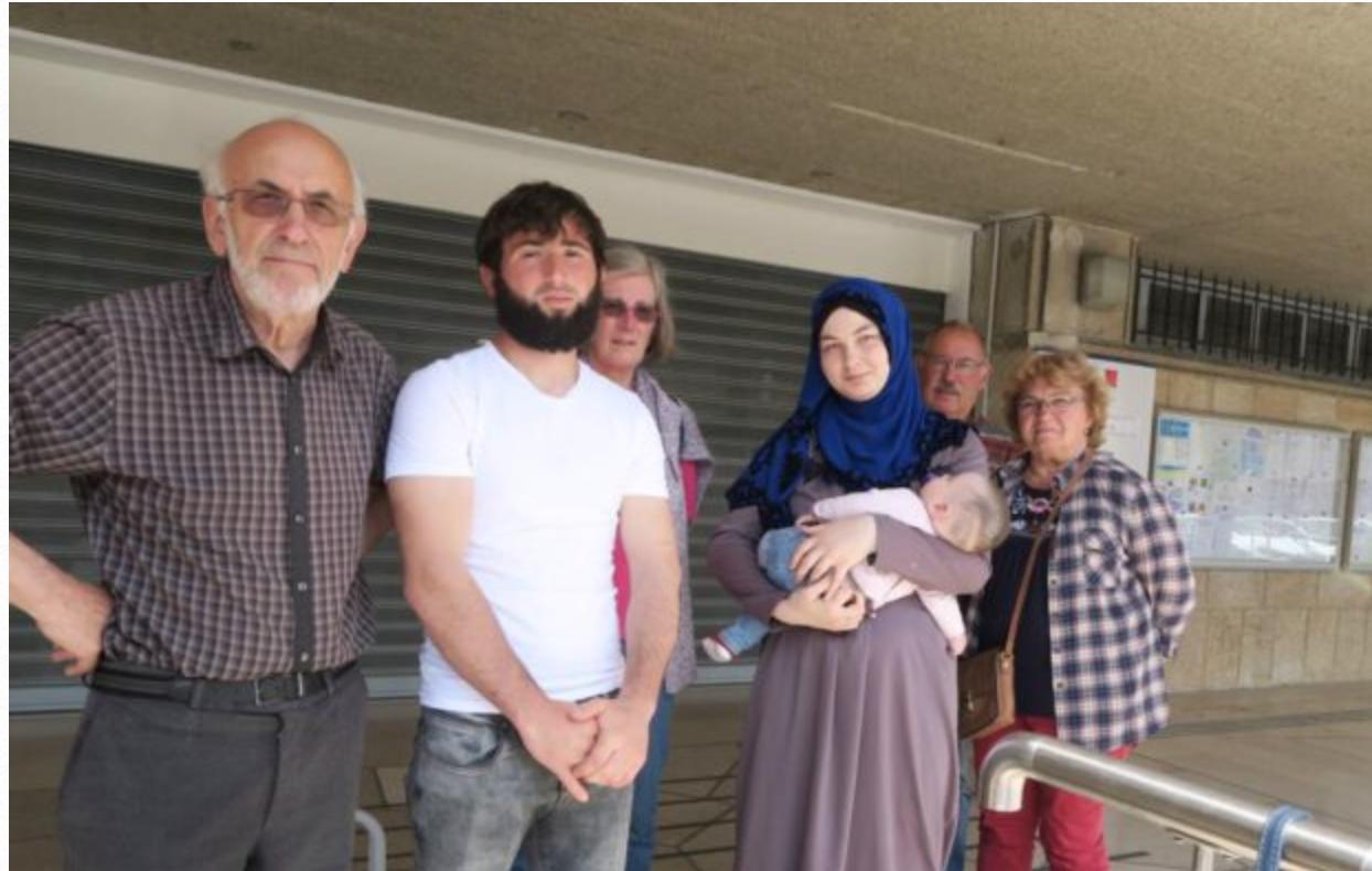 La perfide Tchétchène n'a pas été acceptée comme demandeur d'asile ? Elle se  fait mettre enceinte !