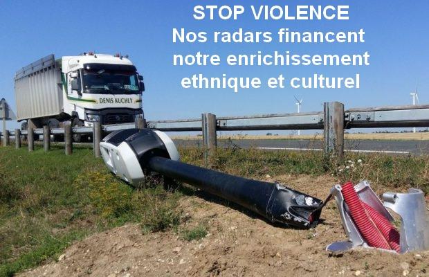 Laurence Gauchot-Trouduc : ne vandalisez plus les radars-tourelles ! Ils financent le Grand Remplacement !