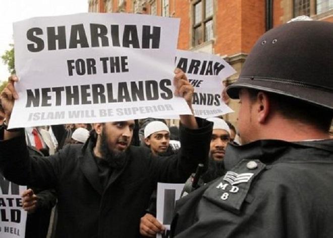 Aux Pays-Bas, les élèves des écoles salafistes apprennent que les mécréants méritent la mort