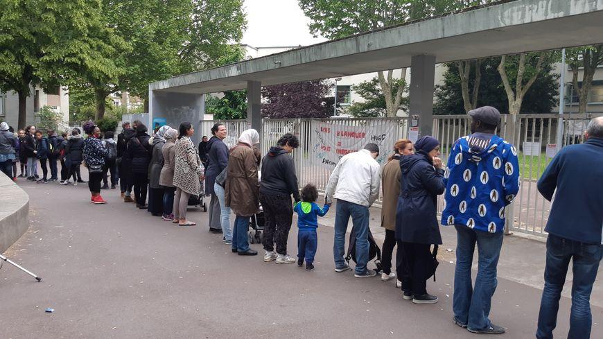 Constance a dénoncé le trafic de drogue à Saint-Denis : les dealers menacent de la brûler