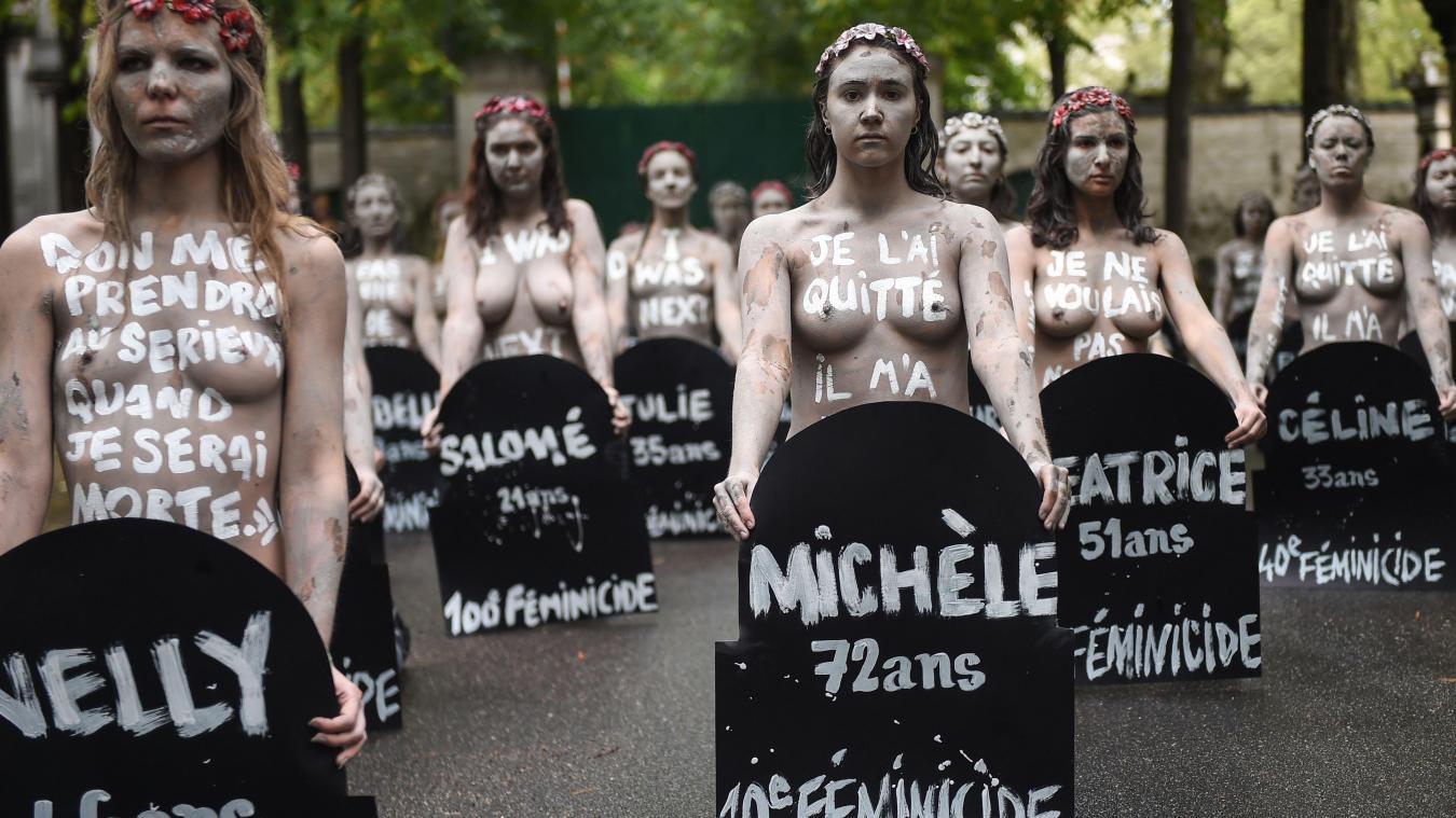 Pas loin de la tombe de Chirac, des Femen-zombies manifestent contre les «féminicides»
