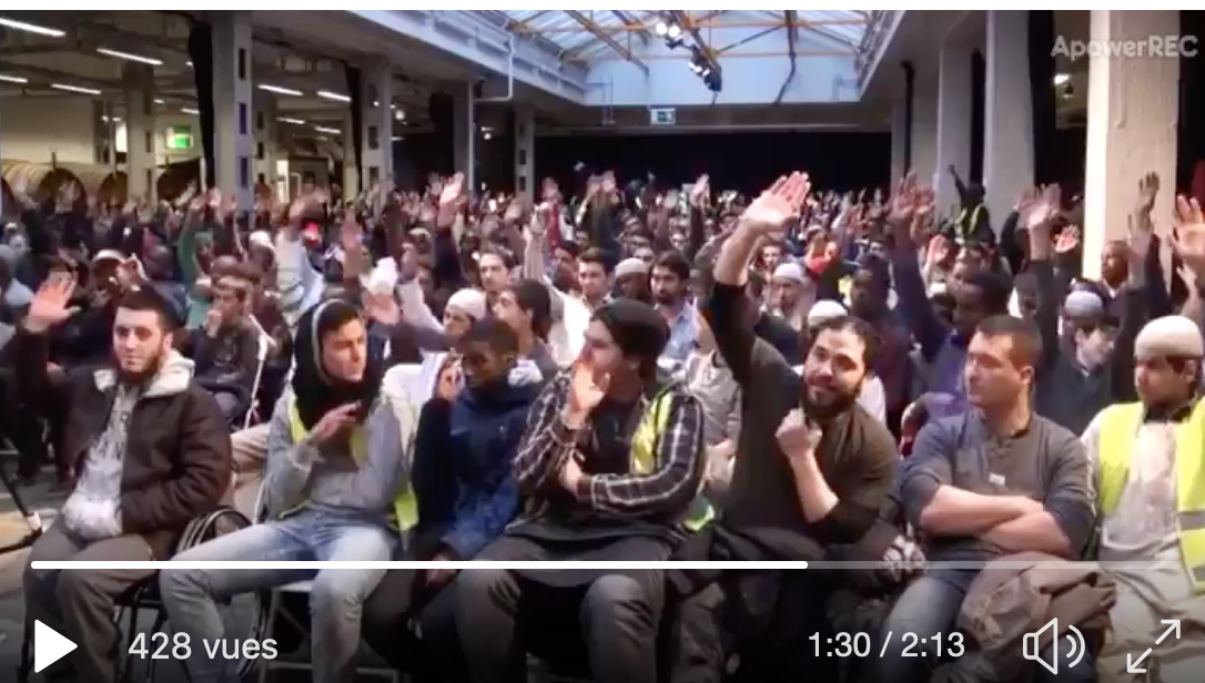 Toute une salle de musulmans modérés anti-mixité qui veulent tuer les homos et lapider les femmes…