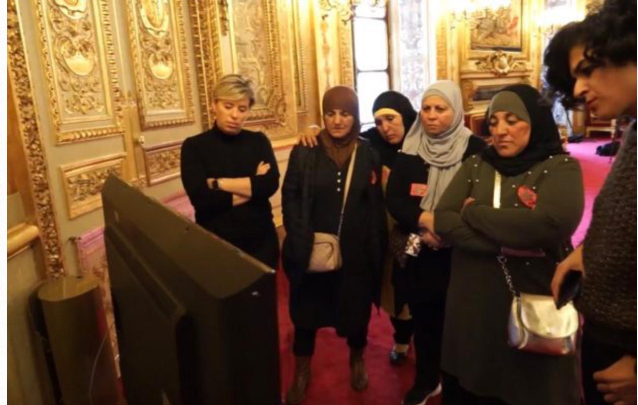 Samia Ghali accueille des mères voilées au Sénat en plein débat sur le voile des accompagnatrices !