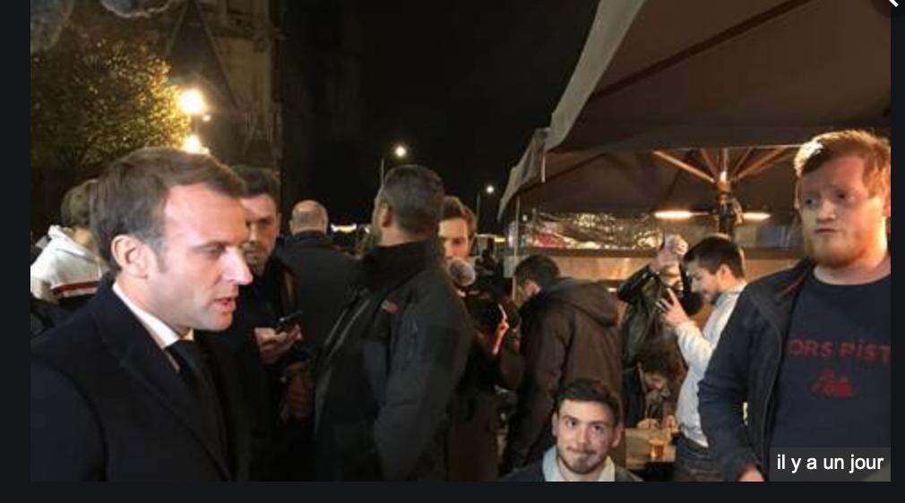 Macron hué à Rouen : Macron, démission !