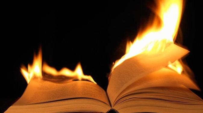Encore une librairie attaquée à Paris, et le gouvernement ne fait rien contre l'insécurité