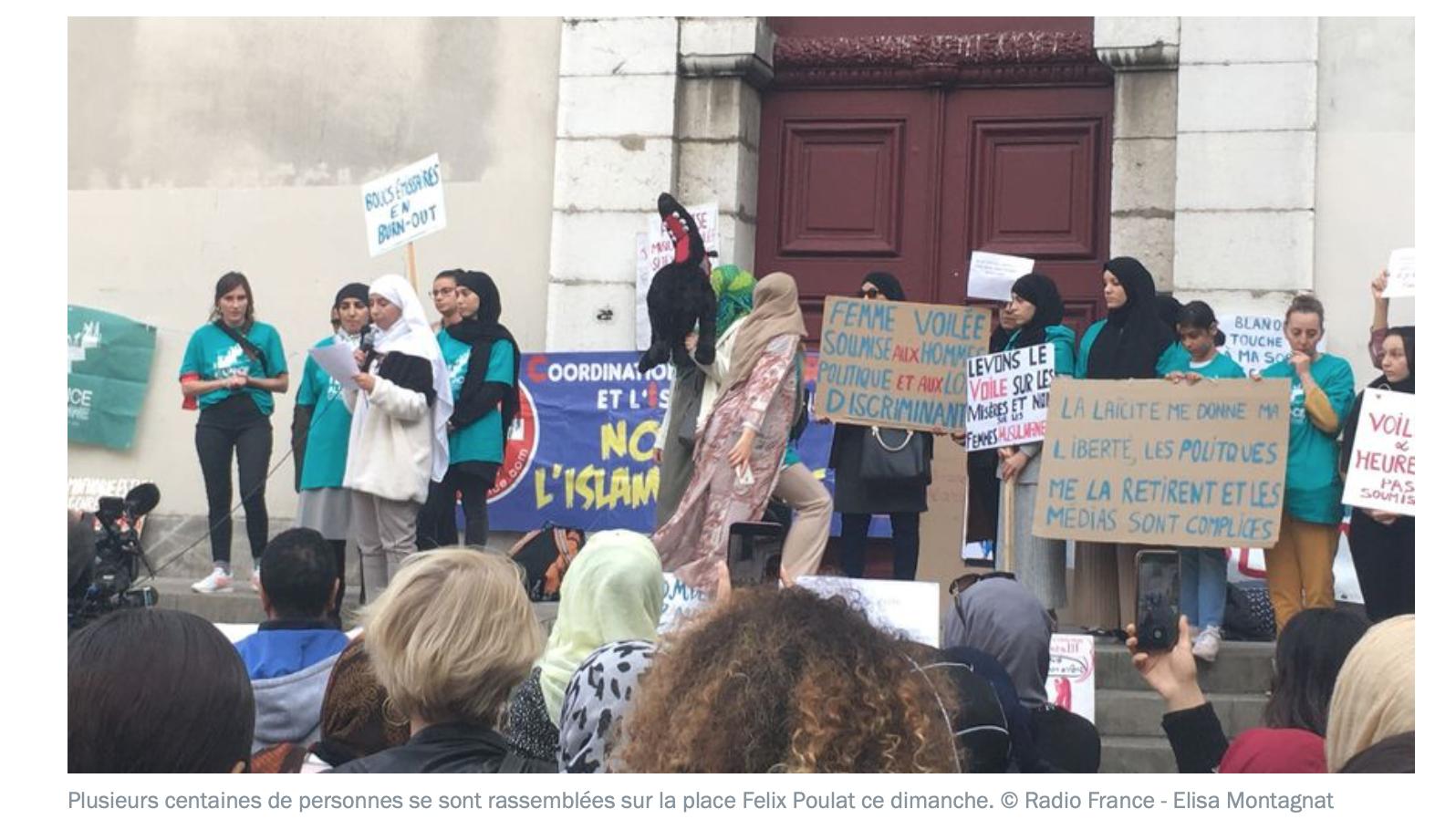 Grenoble : admirez comme ce rassemblement contre l'islamophobie est naturel, spontané…