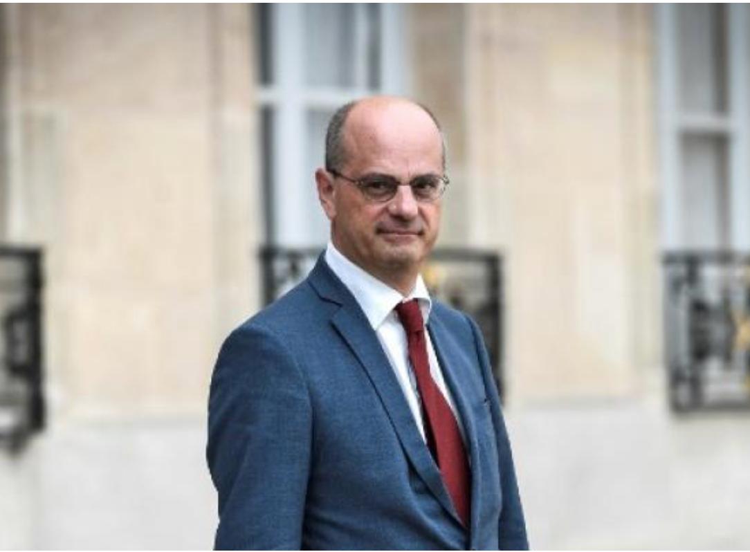Le faux-cul Blanquer défend la liberté d'expression de la socialiste Agacinski mais pas celle de Marine